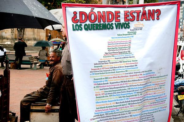 El Registro Nacional de Desaparecidos reporta 50.891 personas con paradero desconocido en Colombia, de las cuales se presume que 16.907 son víctimas de desaparición forzada.